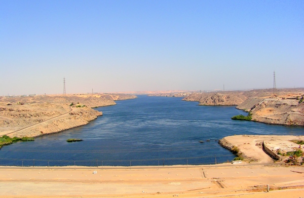 challenges of the aswan dam project The aswan high dam,  funding for any project which increases nile flow  the recent challenges to the nile basin treaties posed.